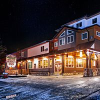 Mount Robson Inn Holiday Season